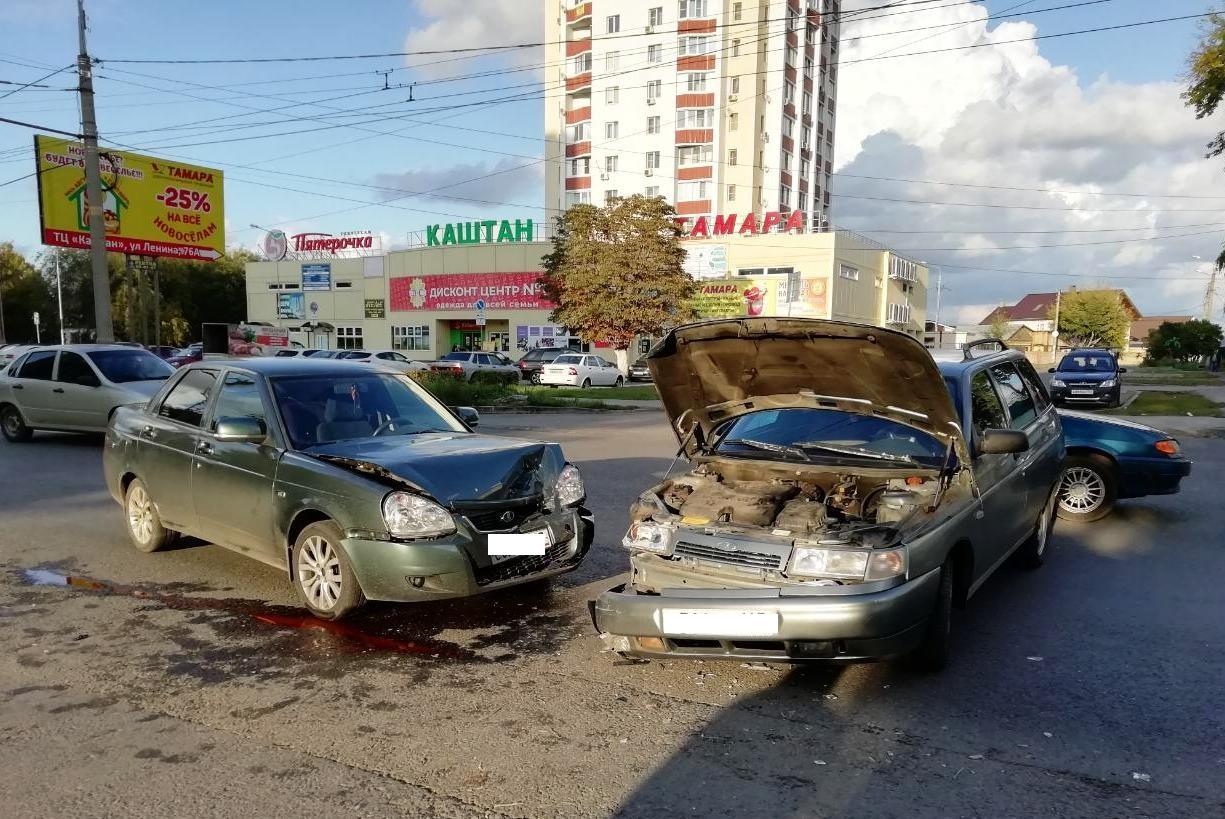 Дети получили травмы в аварии двух машин в Тольятти