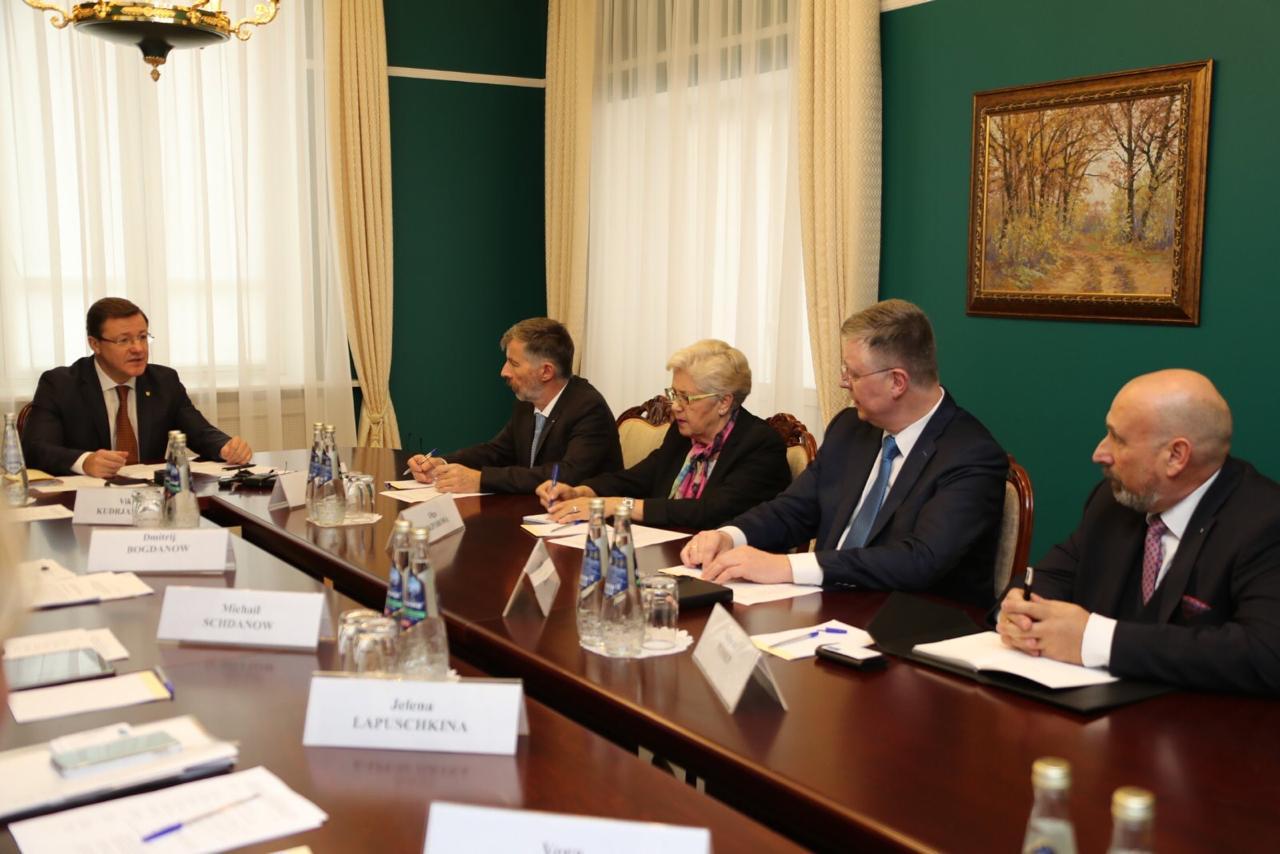 Дмитрий Азаров провел встречу с официальной делегацией Российско-Германской Внешнеторговой палаты
