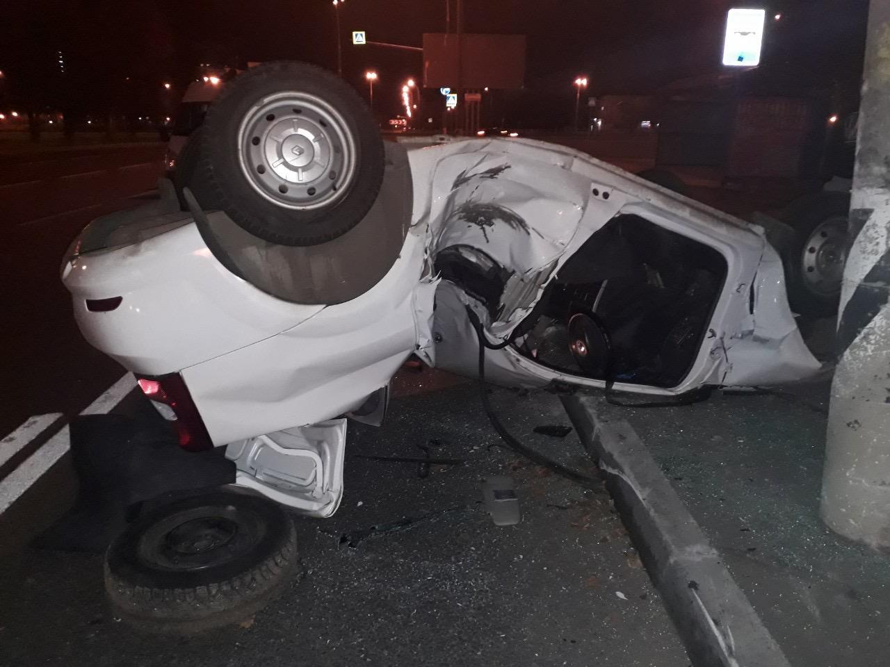 Люди живы: Полиция сообщила подробности аварии с иномаркой, которую намотало на столб