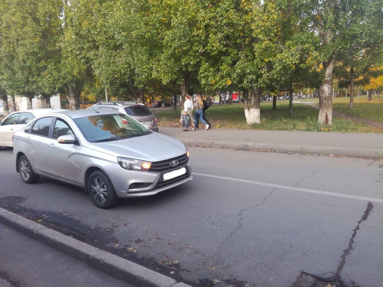 В Тольятти школьник выехал на дорогу и его сбила машина