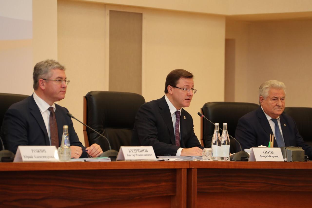 Дмитрий Азаров: «Важнейшая задача бюджета – гарантированное исполнение всех социальных обязательств»