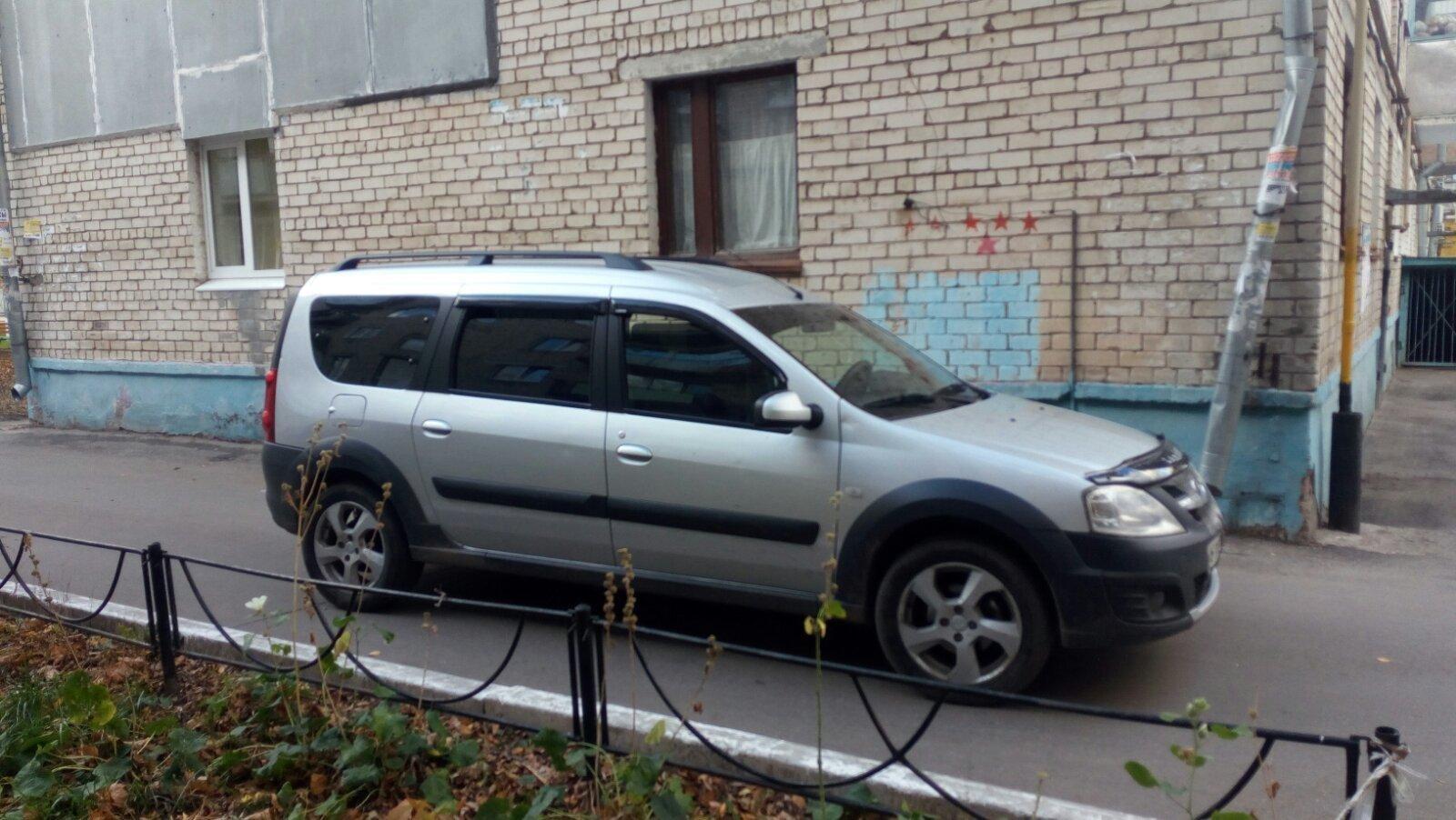 В Тольятти водитель сбил 84-летнюю старушку, стоявшую у дома