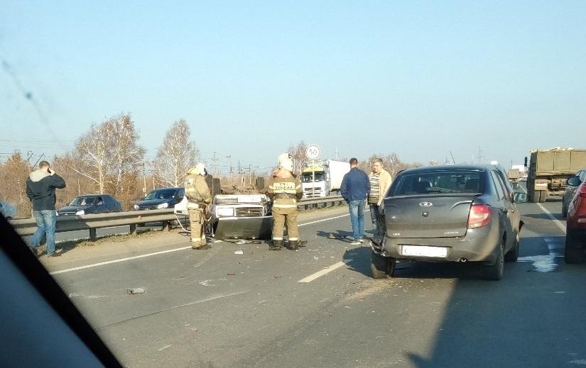 В Тольятти водитель выжил в перевернувшейся машине