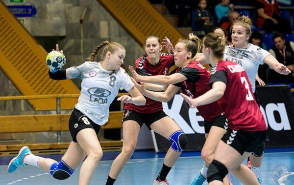 Гандбольная «Лада» пробилась в групповой этап Кубка ЕГФ