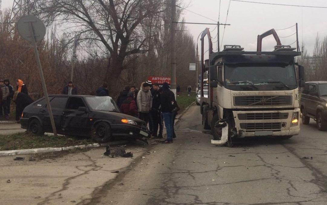 В Тольятти молодой водитель врезался в автовоз