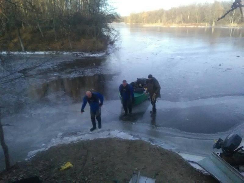 Нашли вмерзшие сапоги: В Самарской области рыбак провалился под лед