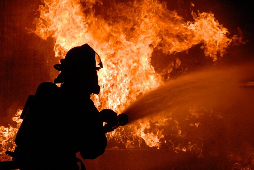Названа возможная причина крупного пожара под Тольятти