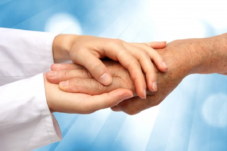 В Самарской области было создано 665 приемных семей для пожилых граждан
