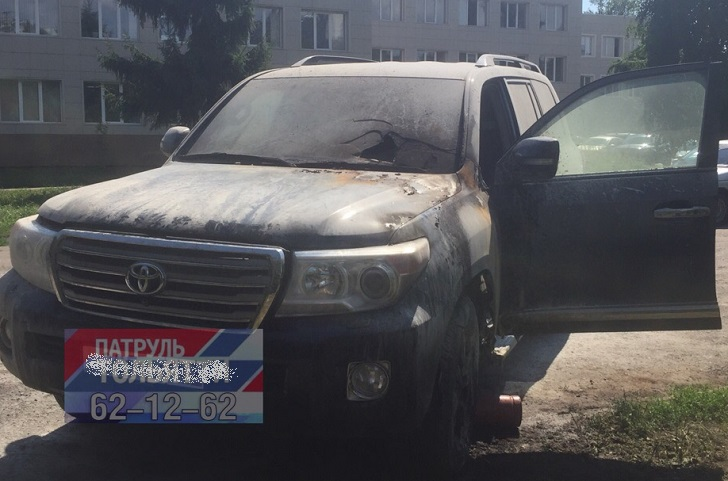 Двое тольяттинцев получили разные сроки за поджог внедорожника