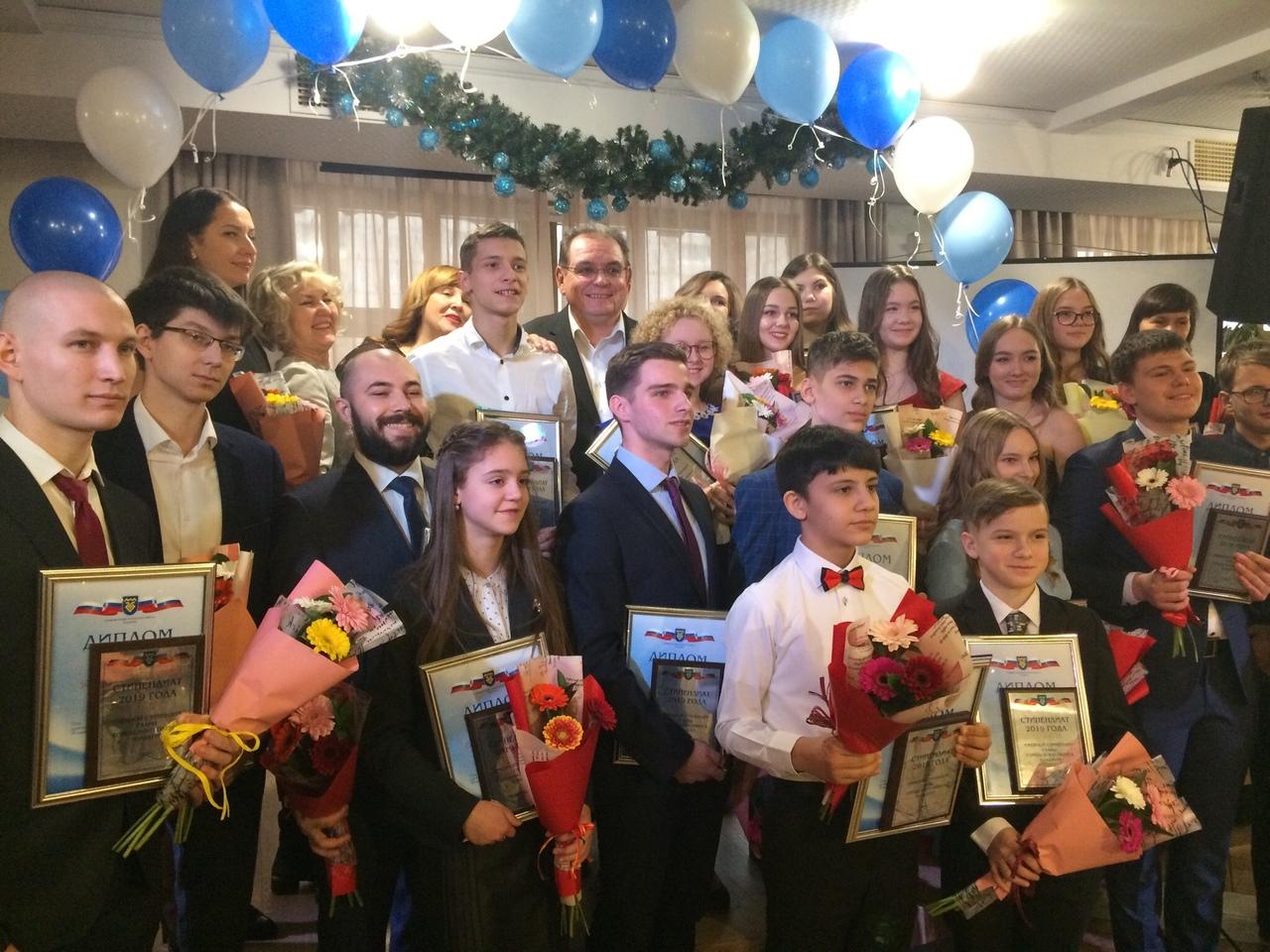 Ими гордится автоград: В Тольятти наградили лауреатов именной стипендии главы города