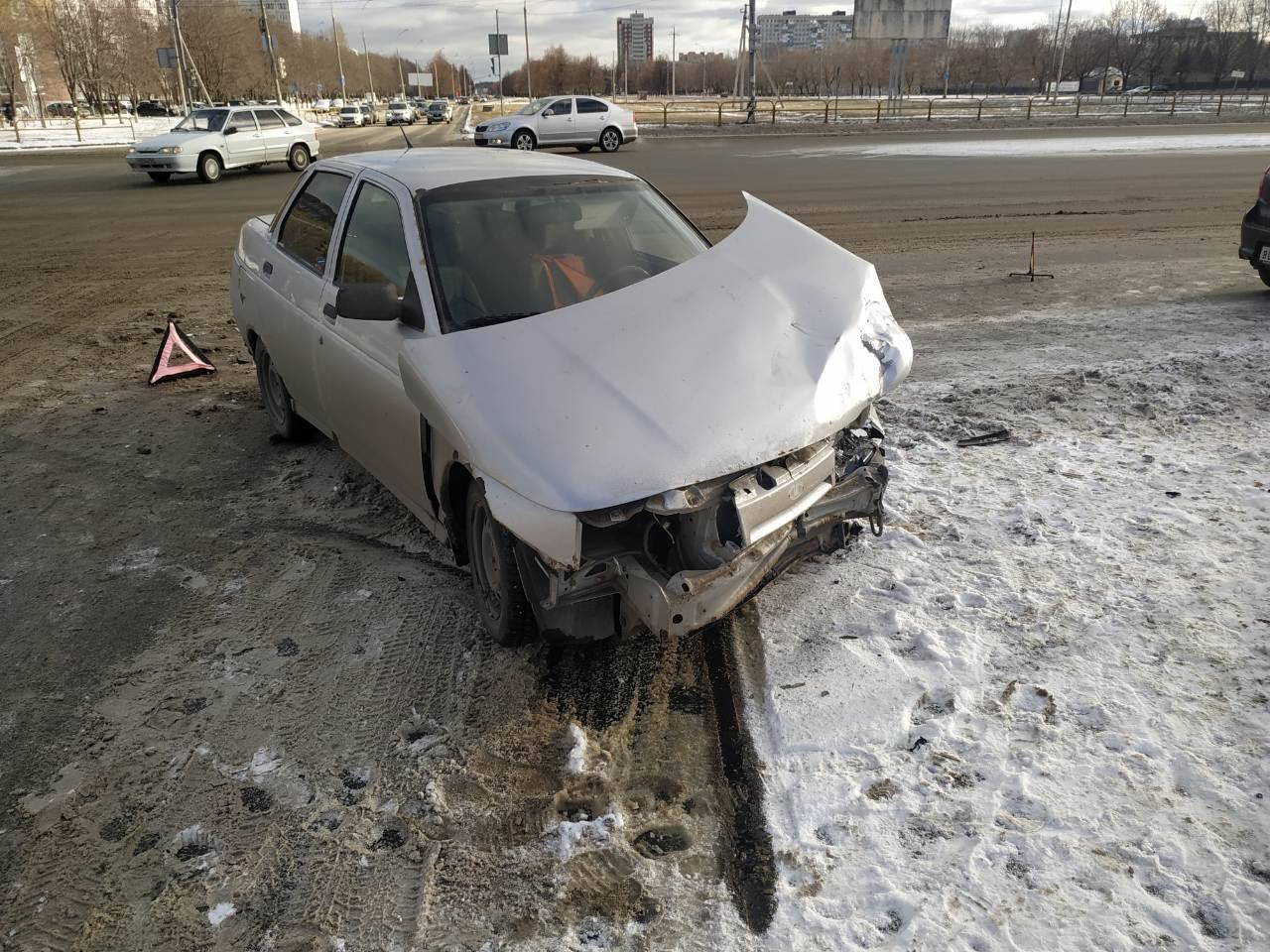 В Тольятти в аварии машин пострадали два пассажира