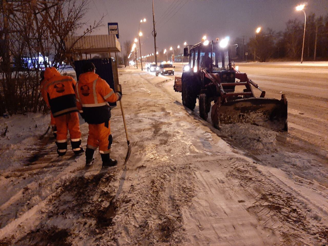 В Тольятти улицы от снега очищают более 50 машин