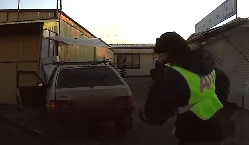 В Тольятти пьяный водитель пытался оторваться от погони на рынке