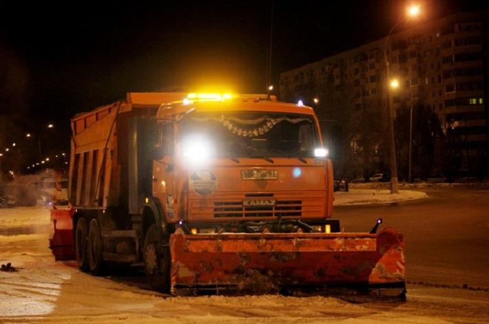 В Тольятти ведутся работы по ликвидации снежных заносов