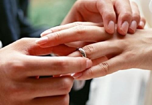 Брак 49-летней тольяттинки и 26-летнего таджика признали фиктивным