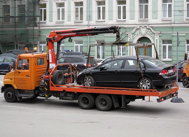 Бизнесмены Самарской области предлагают не эвакуировать машины, которые не мешают движению