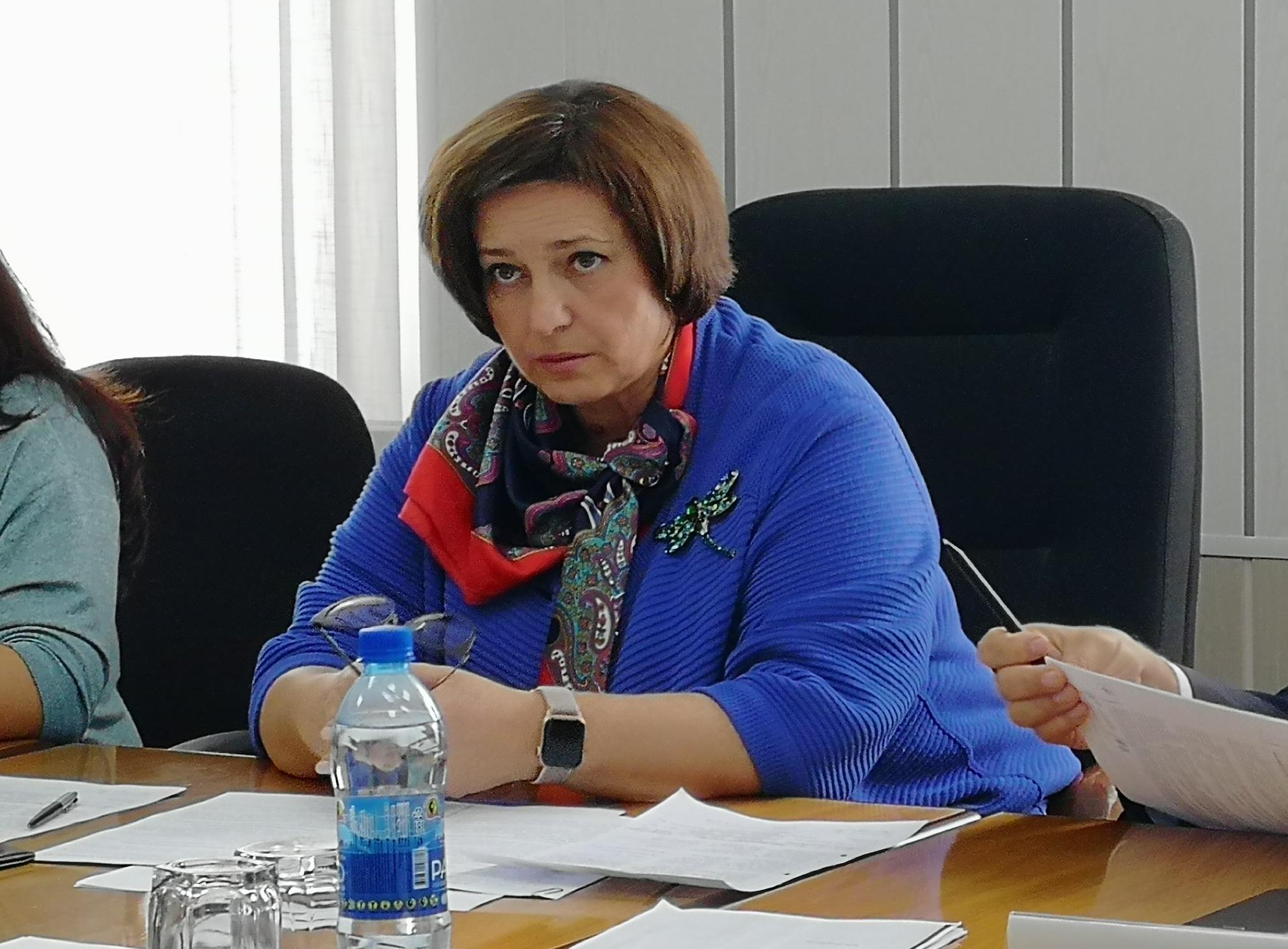 Самарский министр объяснила низкую рождаемость неуверенностью в мужчинах