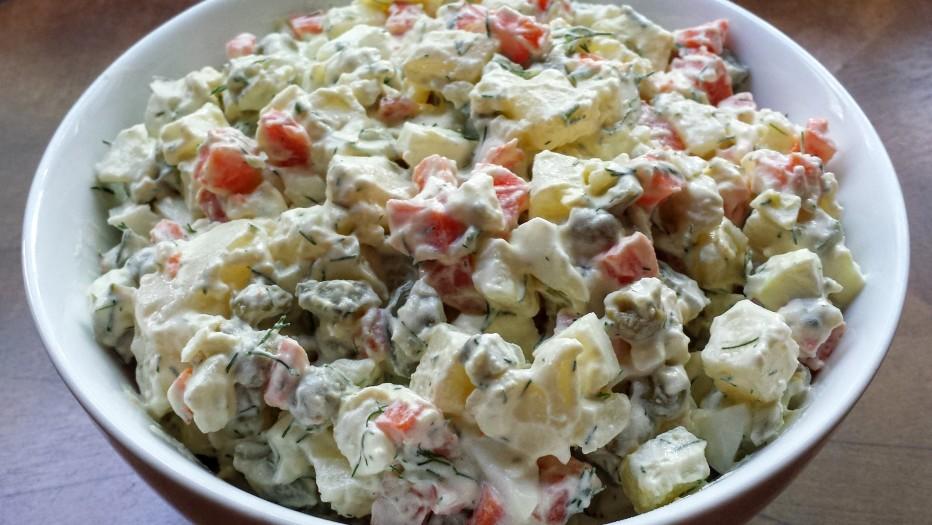 Названы сроки годности праздничных салатов