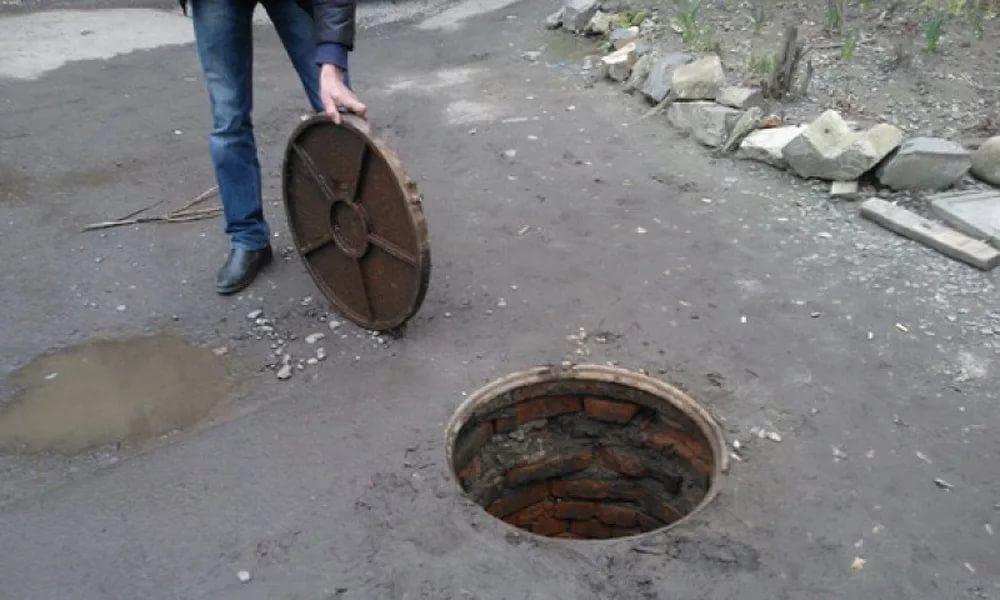 В Тольятти воры украли 20 крышек с колодцев