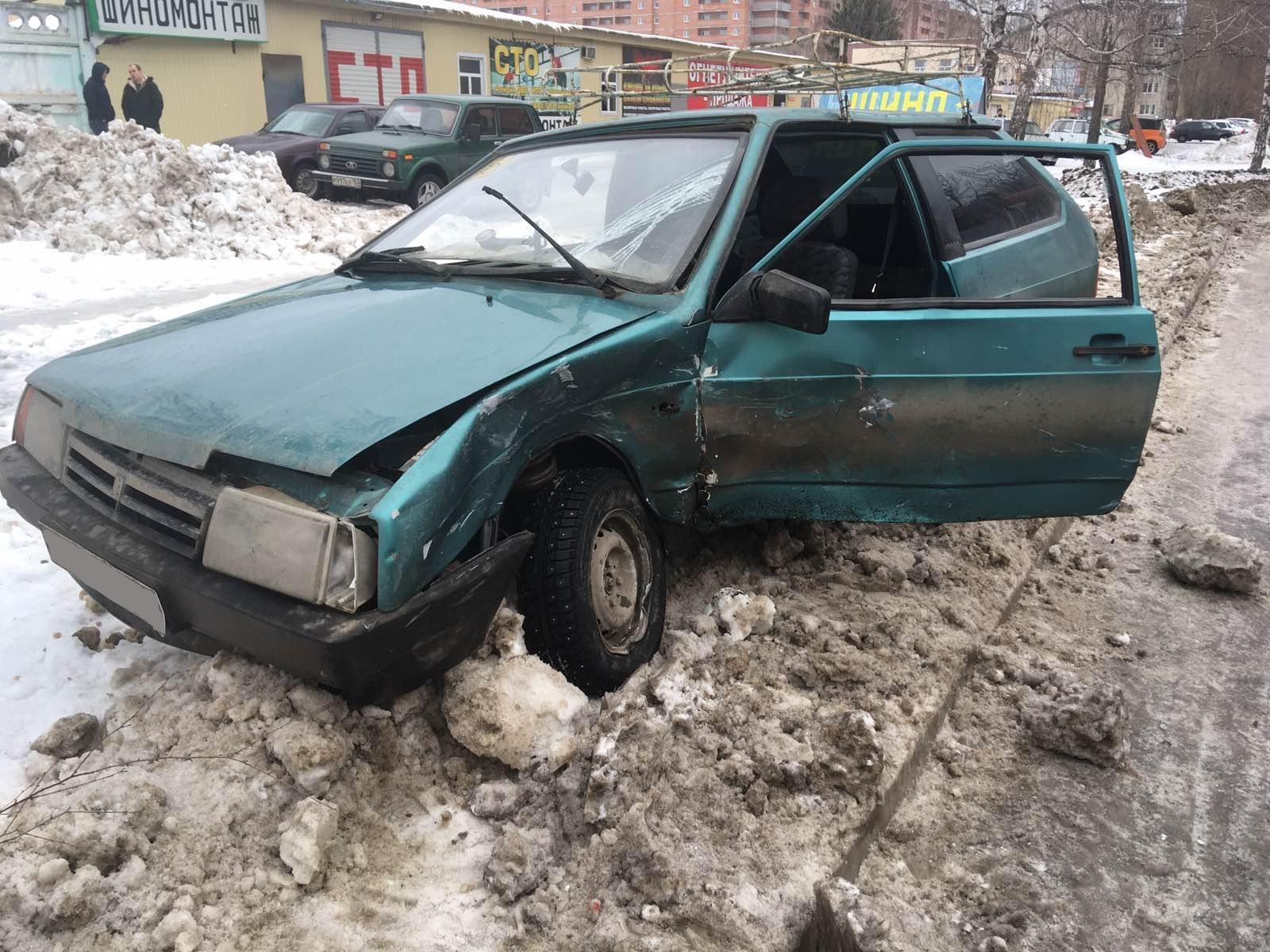 В Тольятти пенсионерка устроила ДТП и получила травмы