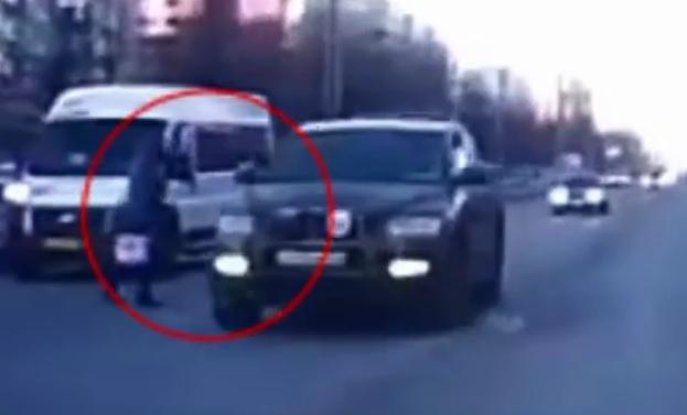 В Тольятти благодаря соцсетям оштрафовали водителя, решившего не тормозить перед пешеходом
