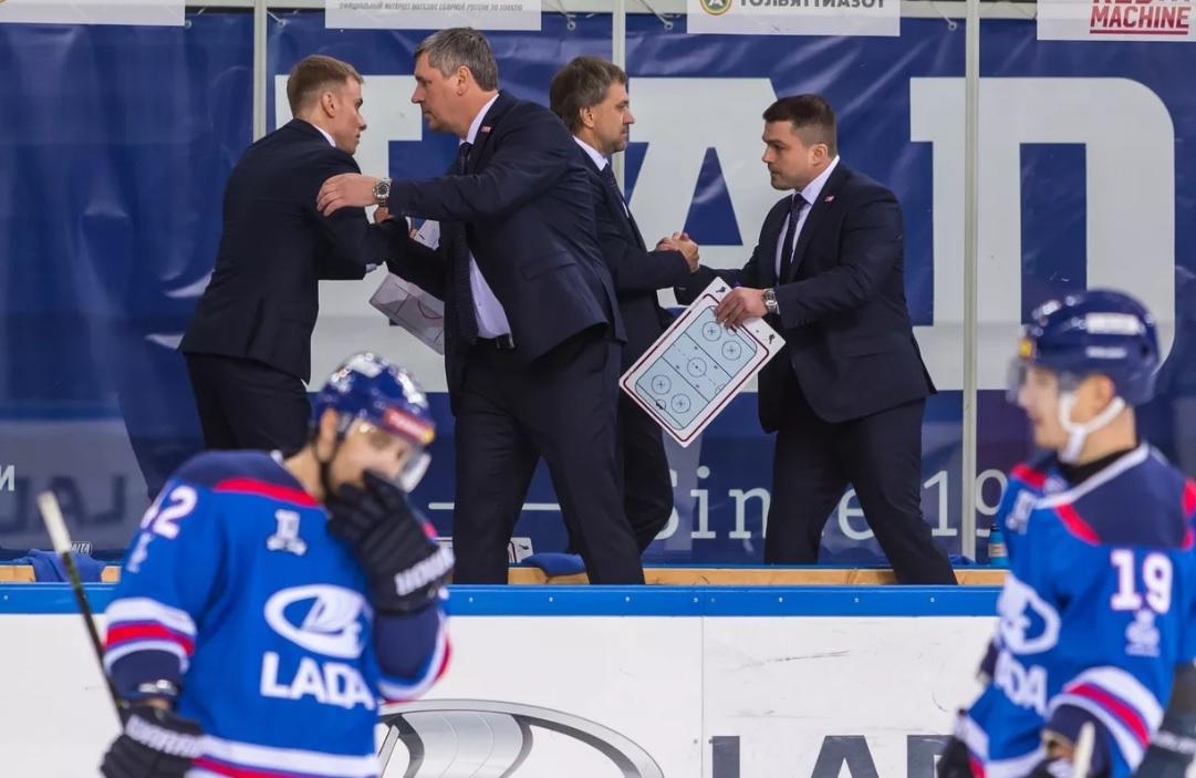 Тренерский штаб хоккейной «Лады» отправлен в отставку