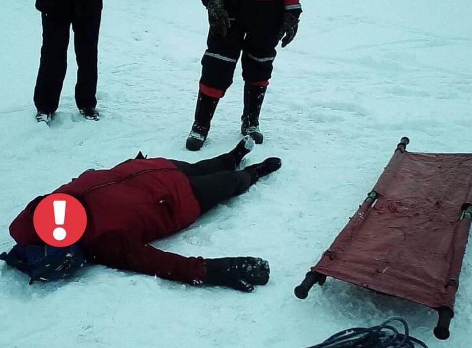 В Тольятти на замерзшей Волге спасали избитую женщину