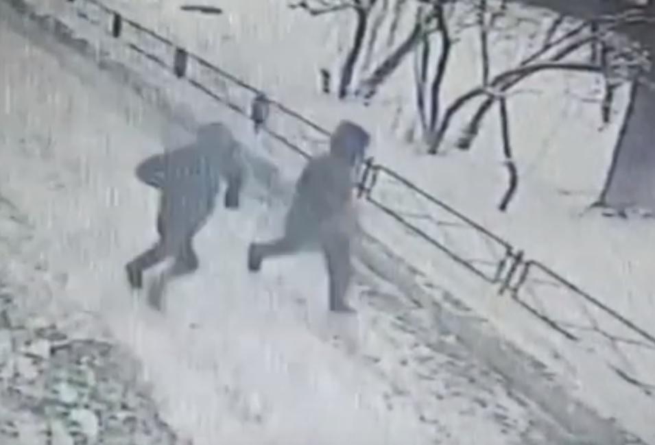В Тольятти ограбление магазина попало на 5 городских камер видеонаблюдения