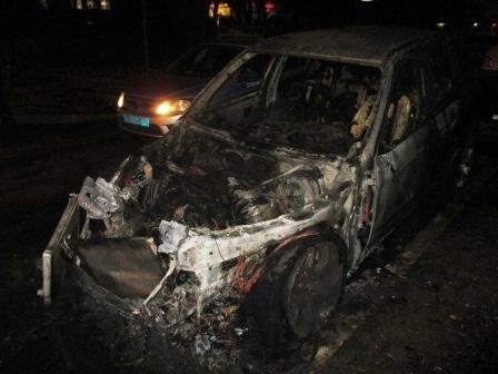 С места преступления уезжали на такси: В Тольятти поймали поджигателей авто