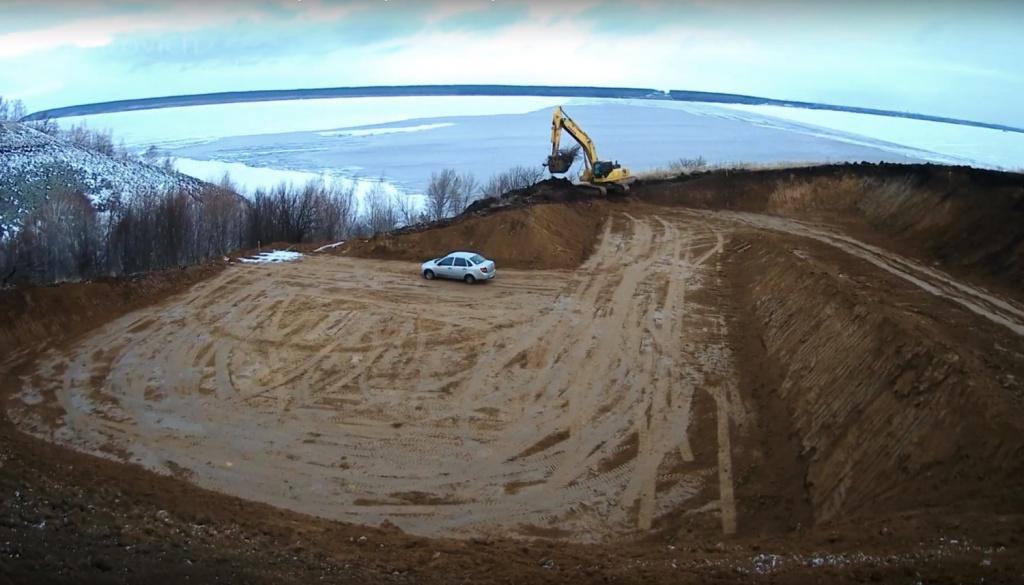«Готовят площадку под первую опору»: Опубликованы новые фото с места строительства моста через Волгу