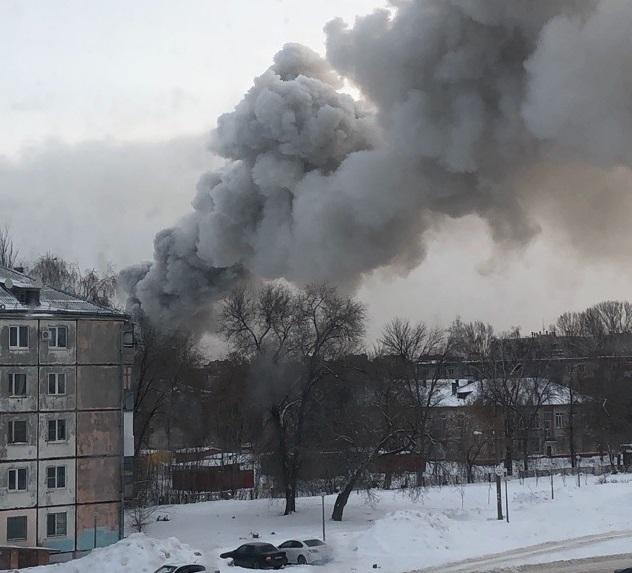 В Тольятти ликвидировали сильный пожар на складе