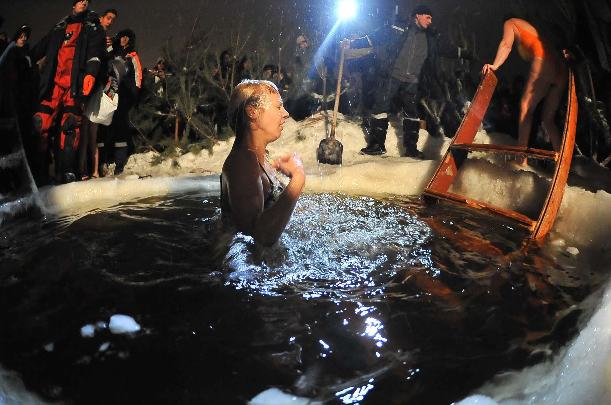 В Самарской области МЧС рекомендует отказаться от купания на открытых водоёмах на Крещение