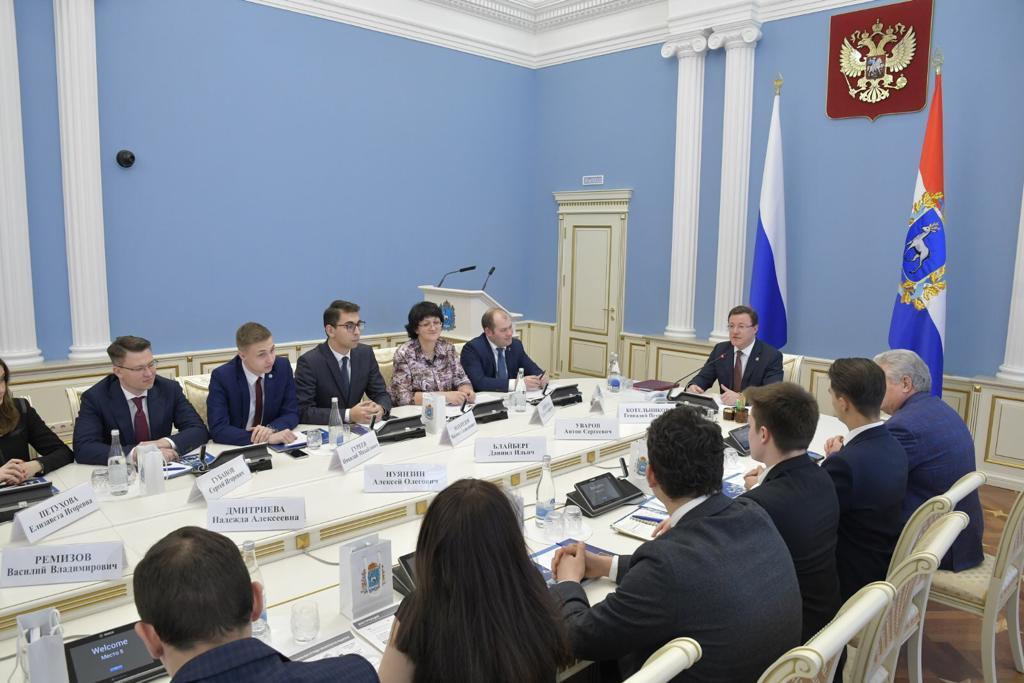 Губернатор Самарской области встретился с талантливыми студентами
