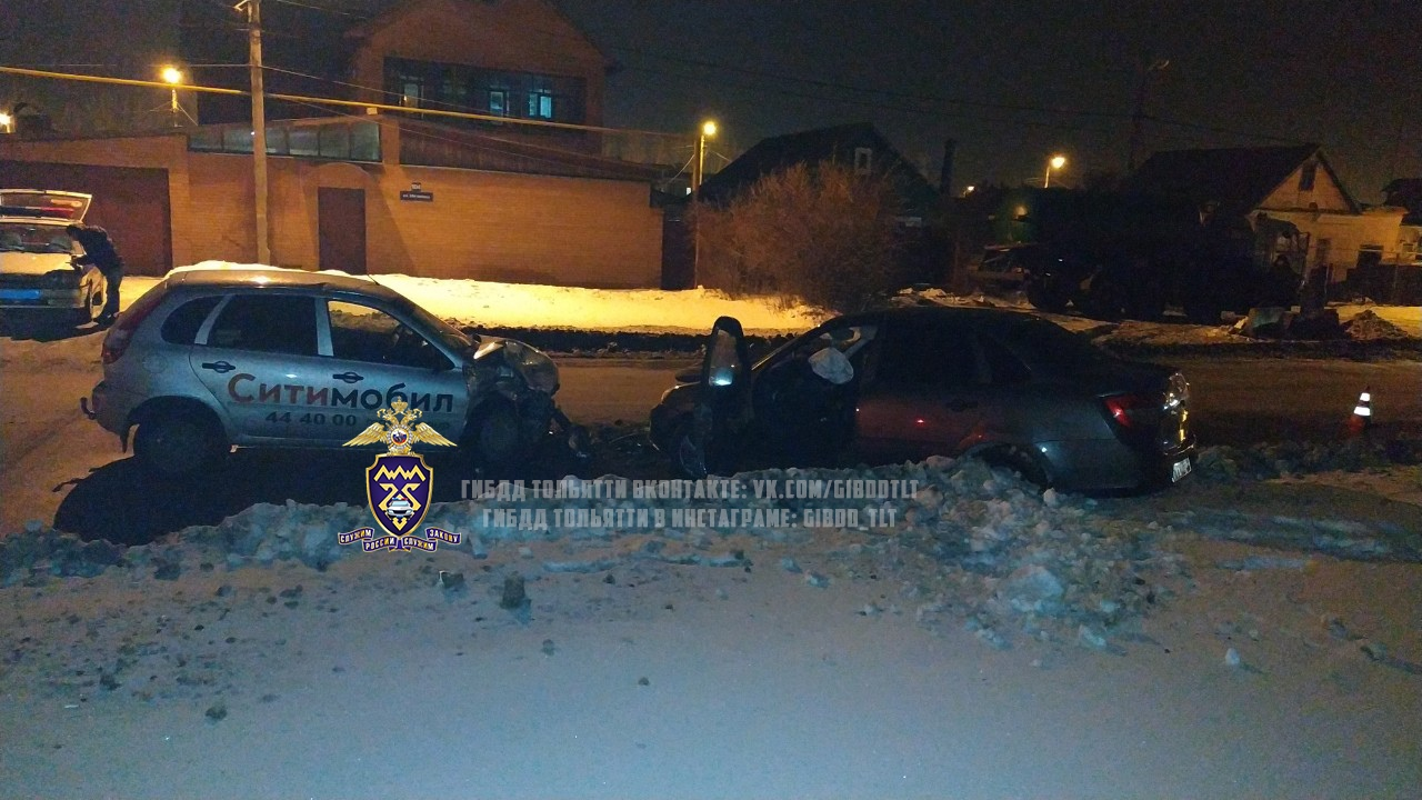 В Тольятти таксист без прав попал в аварию с пострадавшими людьми