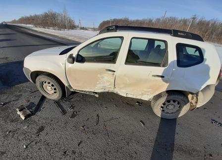 Под Тольятти на трассе М-5 женщина пострадала в аварии иномарок