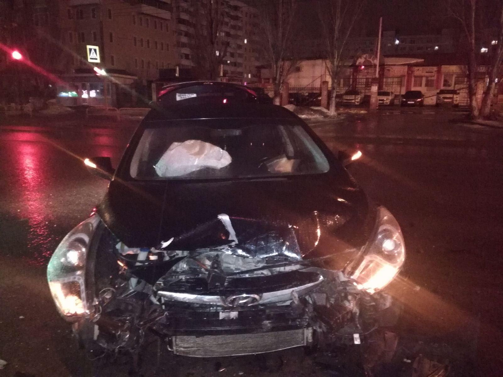 В Тольятти человек пострадал в аварии «Лады» и иномарки