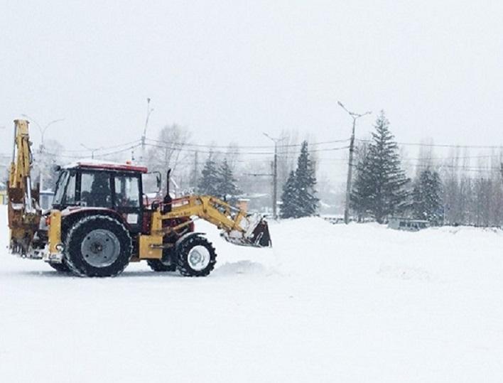 В Самарской области возбудили дело против пьяного тракториста, который решил почистить снег вокруг домов