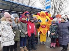 Сегодня в автобусах тольяттинцев будут развлекать и вручать подарки