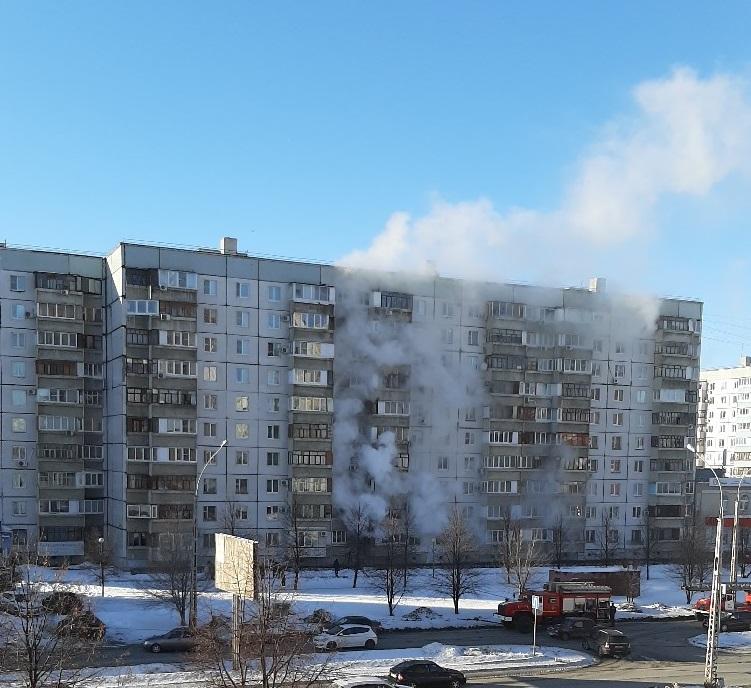 В Тольятти на пожаре в квартире эвакуировали мужчину