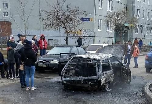 На улице в Тольятти полностью сгорела «Лада»