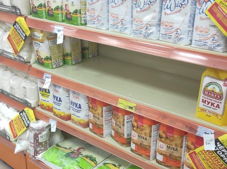 Тольяттинцы не боятся пустых полок в магазинах и фейковых рейдов по детям