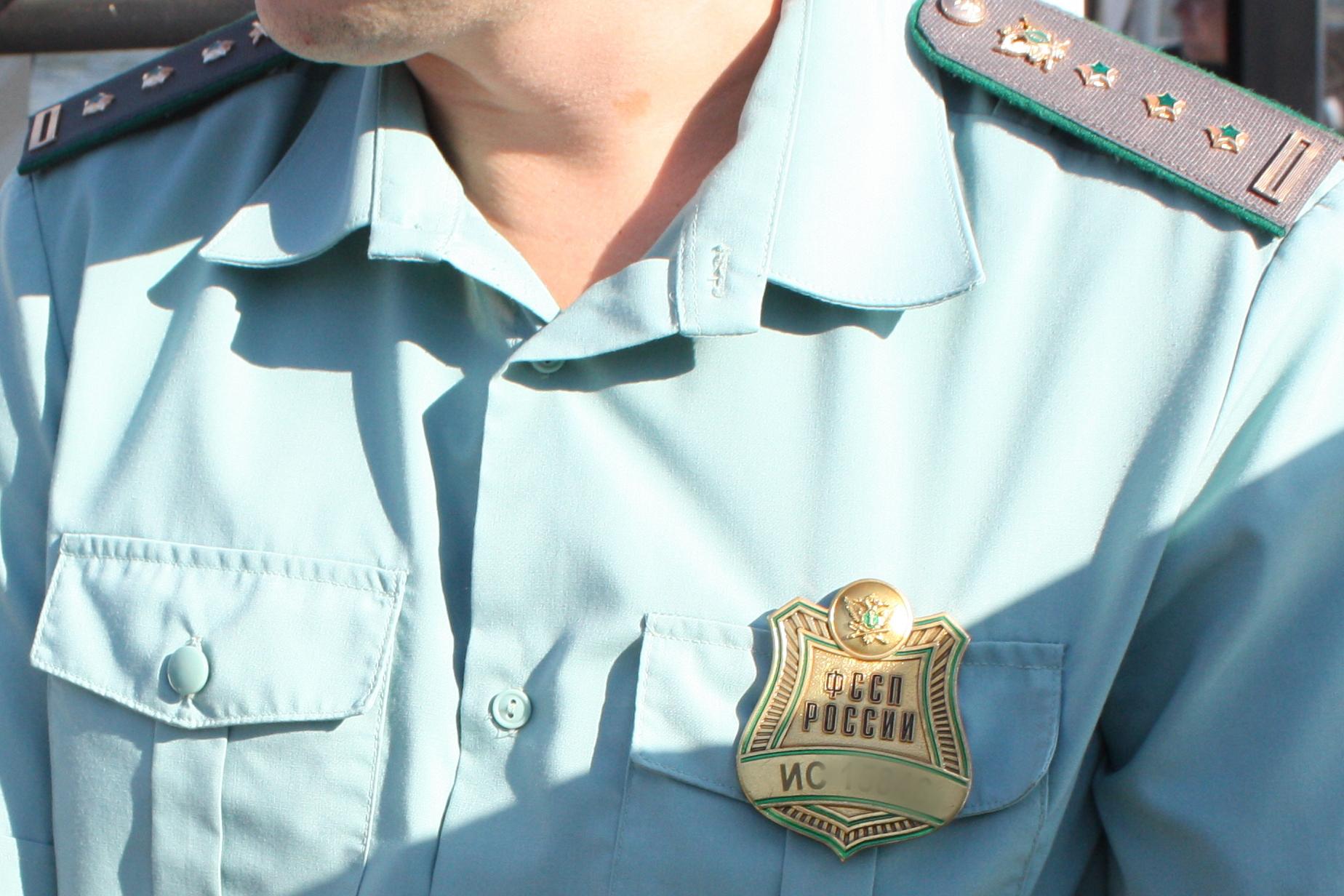 У тольяттинца арестовали машину из-за крупного долга перед ребенком