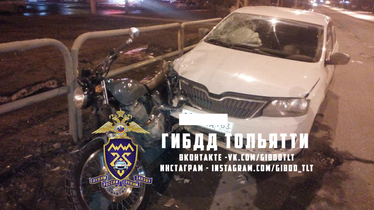 Сезон открыт: В Тольятти мотоциклиста сбила машина