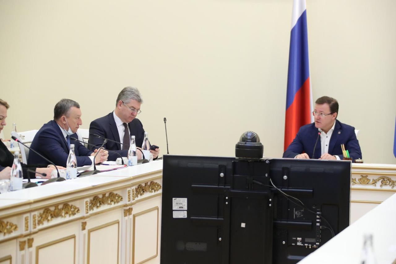 Губернатор Дмитрий Азаров возглавил областной штаб по противодействию коронавирусу
