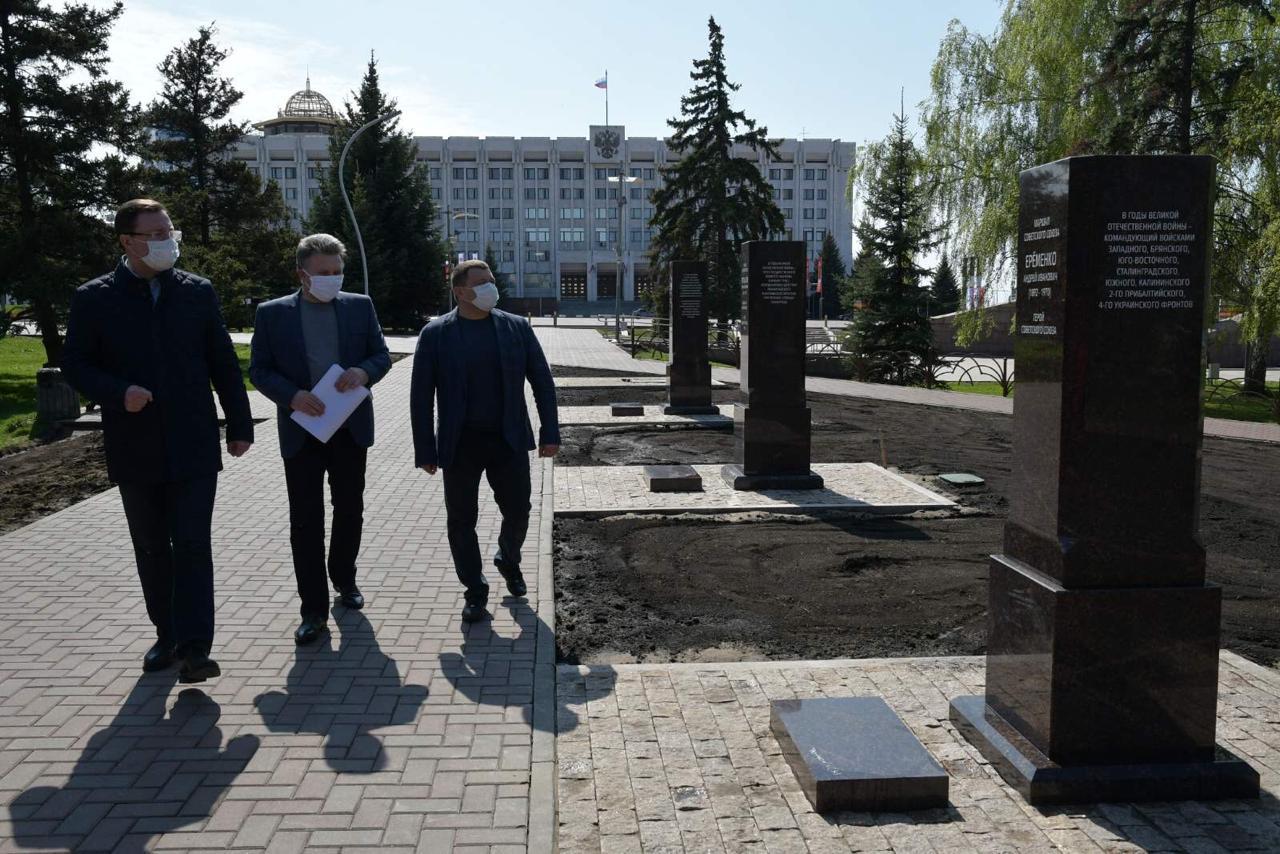 На площади Славы готовится к открытию аллея маршалов