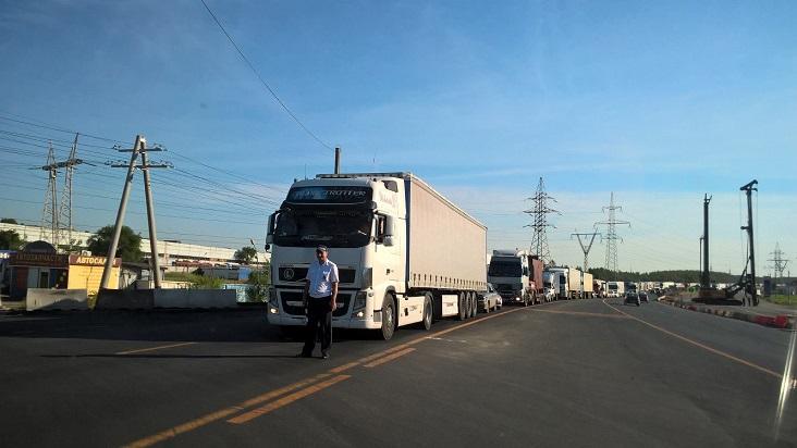 На трассе М-5 до осени ввели ограничение для грузовиков