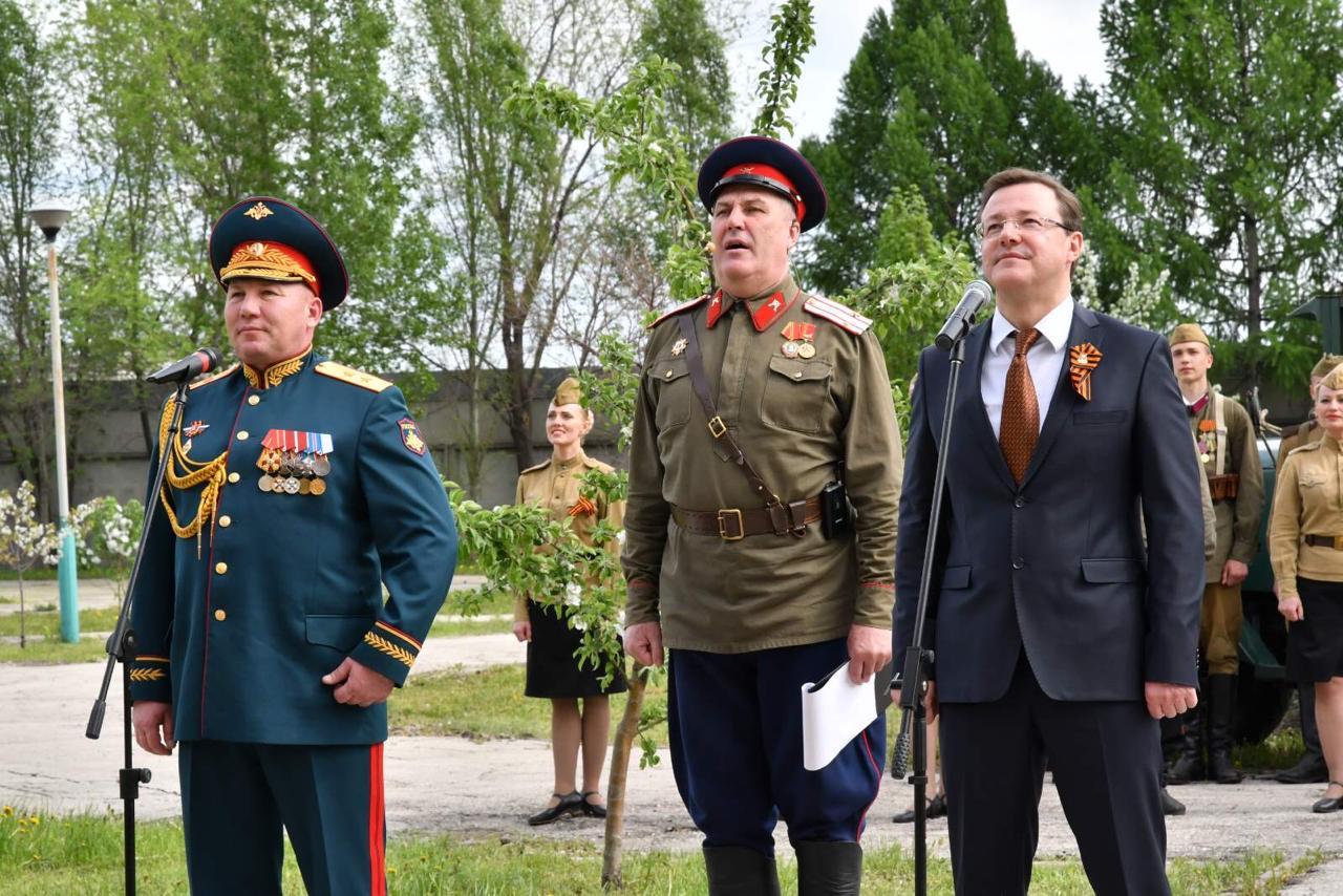 В Самаре под окнами ветеранов прошел концерт для героев Великой Отечественной войны