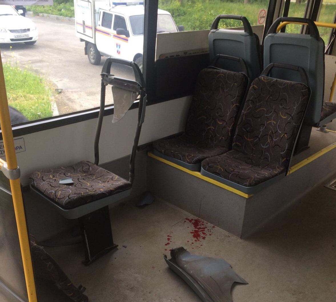 В салоне было 12 пассажиров: Подробности аварии автобуса и грузовика в Тольятти
