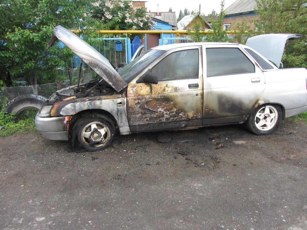Тольяттинец после ссоры спалил машину обидчика