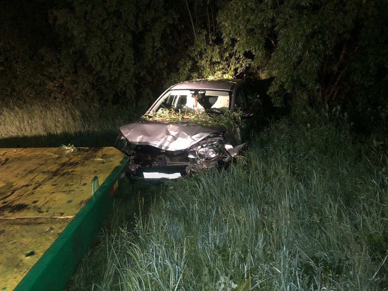 На трассе Тольятти-Ташелка пьяный водитель угробил XRay в кювете
